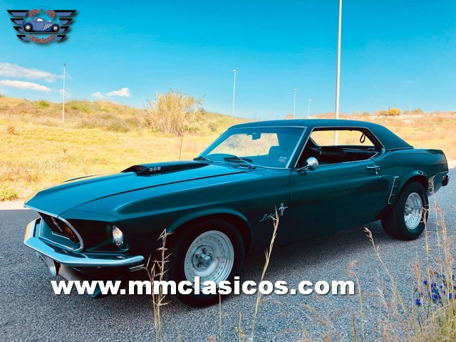 Coche Deportivo Clásico Americano Muscle Car Ford Mustang 1969 V8 302 Green Bullit